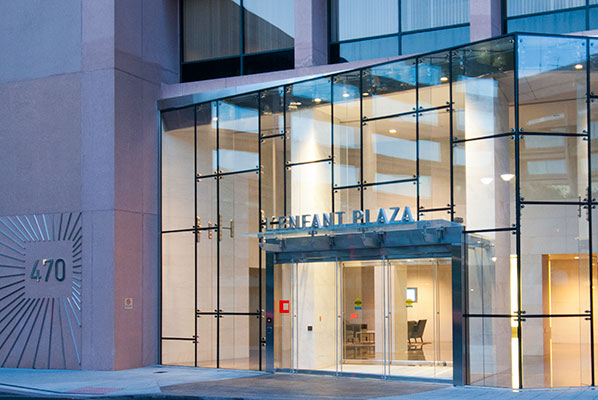 Check out the photo galllery of our L'Enfnat Plaza Restaurants & Shops!